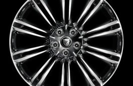 "Alloy Wheel - 20"" Kasuga, with Polished finish, Front"